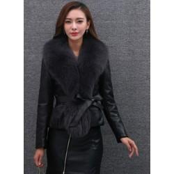 Elegant short leather jacket - with fur collar