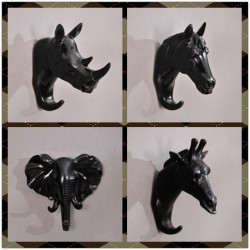 Resin elephant - rhino - horse & giraffe wall decor set hooks