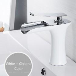 Rubinetto per lavabo con maniglia singola - ottone