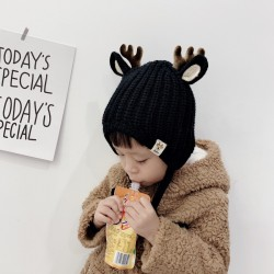 Cappello invernale con corna di renna e orecchie - cappello lavorato a maglia per bambini
